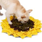 Snuffeldeken zonnebloem snuffelmat snuffle mat sunflower hond hersenwerk voerpuzzel voermat bulldog