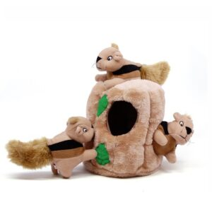 Verstopknuffel verstop knuffel eekhoorn eekhoorntjes en boomstam